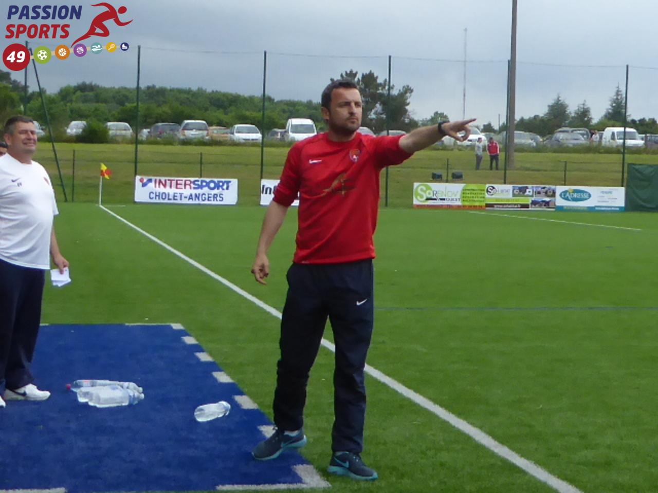 Julien SOURICE (entraîneur Saumur OFC) s'attend à un match compliqué face aux Vendéens du Poiré-sur-Vie VF.