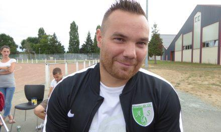 Julien RIGAUDEAU : Pour être gardien de but, il ne faut pas réfléchir et être un peu fou.