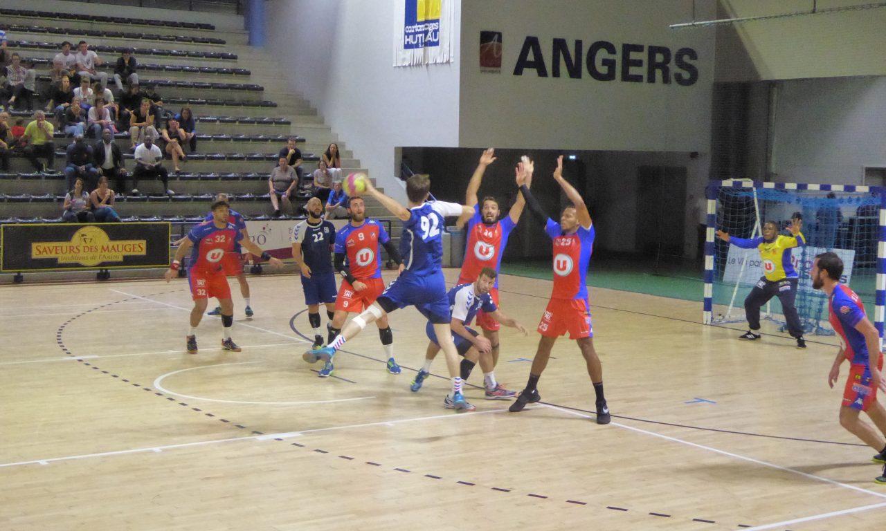 Angers-Noyant Handball s'offre un large succès face à l'équipe de Bruges 33 Handball (34-21).