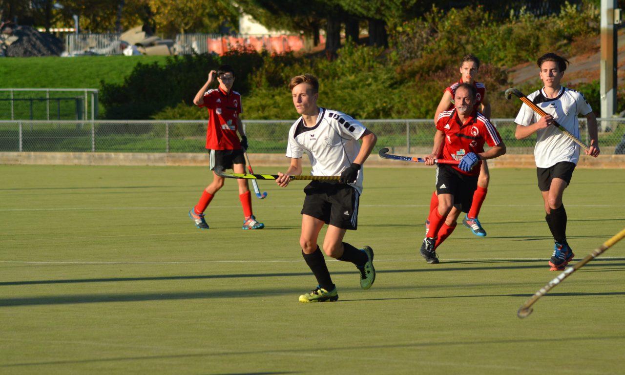 Le SCO remporte leur deuxième victoire en deux matchs à Carquefou (2-0).