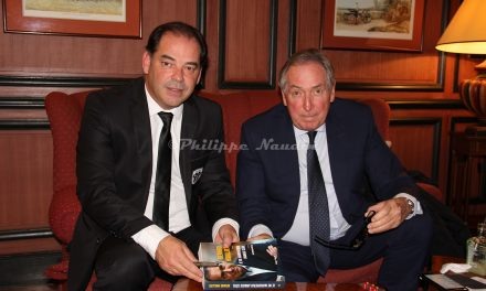 Gérard Houllier, l'invité prestigieux, du club des 100 cravates d'Angers SCO.