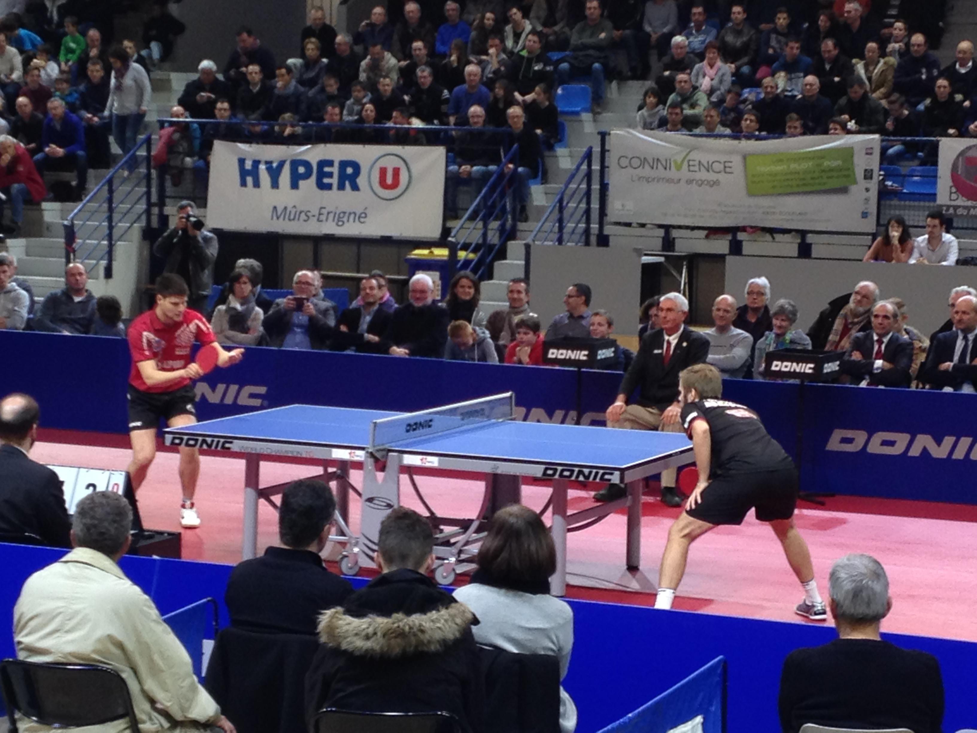 Un échange lors du deuxième match opposant Persson à Ovtcharov.