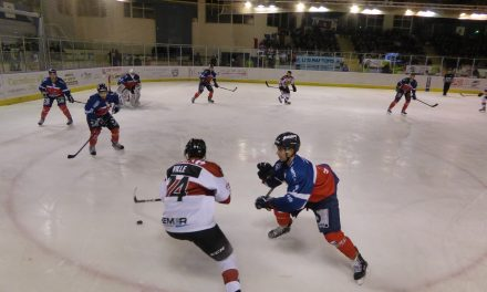 Ligue Magnus (23e journée) :  Angers s'impose de justesse face à Chamonix-Morzine (2-1).