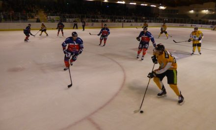 Ligue Magnus : Les Ducs d'Angers s'imposent face à l'Étoile Noire de Strasbourg (3-0).