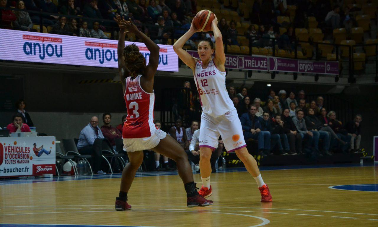 Coupe de France (1/4 de finale) : l'UFAB s'incline aux portes de la demi-finale face à Lyon Basket (77-80).