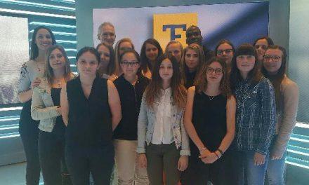 La section féminine de l'En Avant Baugeois à l'émission Téléfoot !