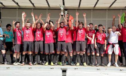 Le FC Plessis-Grammoire remporte le trophée du Challenge Hubert Sourice.