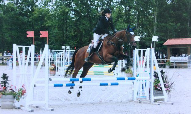 Première expérience au championnat de France d'équitation pour Margot Labbé.