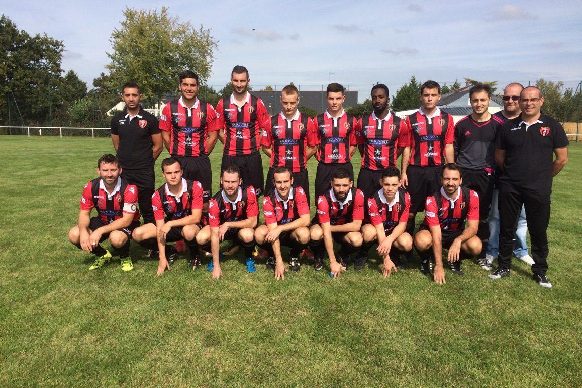 D1 (13e journée) : Première victoire en championnat de Longuenée-en-Anjou face au Fuilet-Chaussaire (5-0).