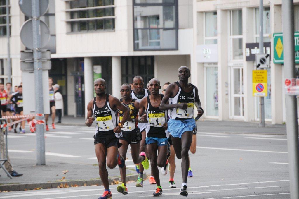 """Déjà vainqueur de l'édition 2013, le Burundais Niyonkuru a remporté l'édition précédente des 10 km de Cholet en 29'43""""."""