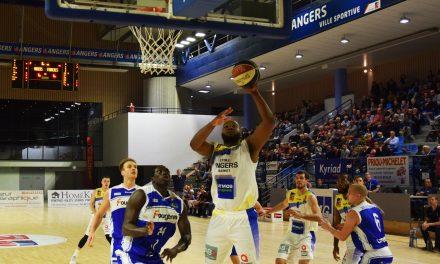 L'Étoile Angers Basket retrouve de la confiance face à Fougères (69-56) et conserve sa place de leader.