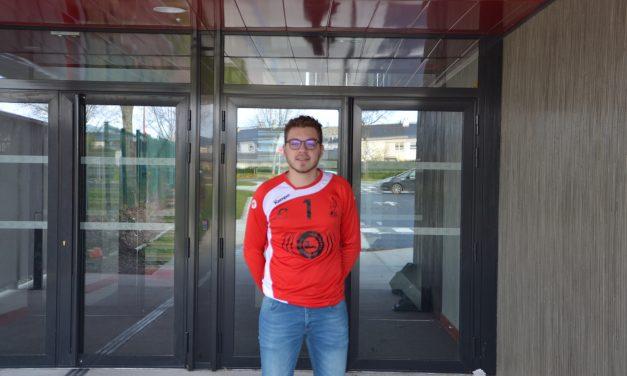 Arthur MAUPOINT est un gardien de but investi au club de l'AAEEC Ponts-De-Cé Handball.