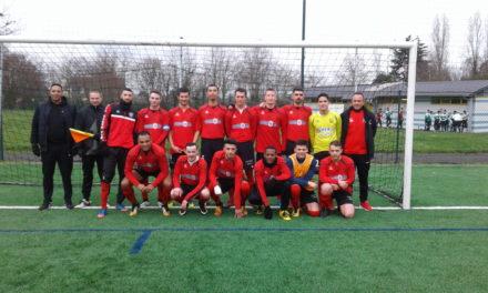 D3 (22e journée) : Les Ponts-de-Cé (b) s'imposent face à Angers SCA (2-0) et terminent champions.