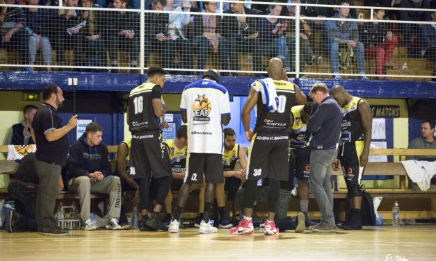 NM2 (demi-finale des play-offs) : L'Étoile Angers Basket n'a pas tenu la distance face à Feurs (73-63).