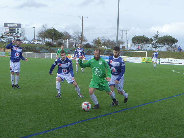 DRH (14e journée) : Angers NDC s'est montré plus réaliste que Bouchemaine (3-0).