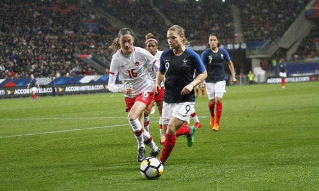 L'équipe de France (féminine) s'offre le Canada en match amical (1-0).