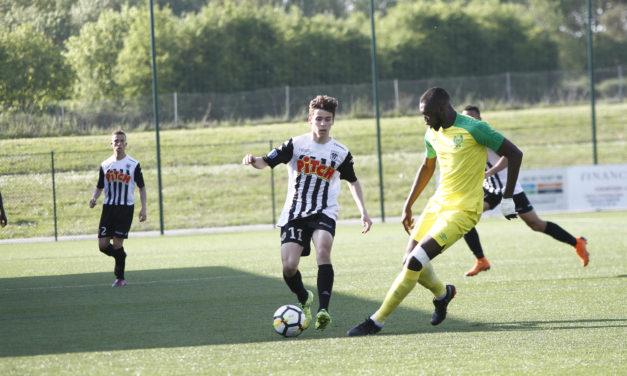 N3 (23e journée) : Angers SCO met fin à la série du leader nantais (2-0).