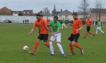 Coupe des Pays de la Loire (8e de finale) : Angers NDC se qualifie au bout du suspense face aux Sables-d'Olonne (3-2, ap.).