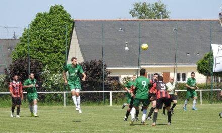 Demi-finale de la coupe des réserves : Les Ponts-de-Cé s'imposent à Longuenée-en-Anjou (2-1) et se qualifient pour la finale.