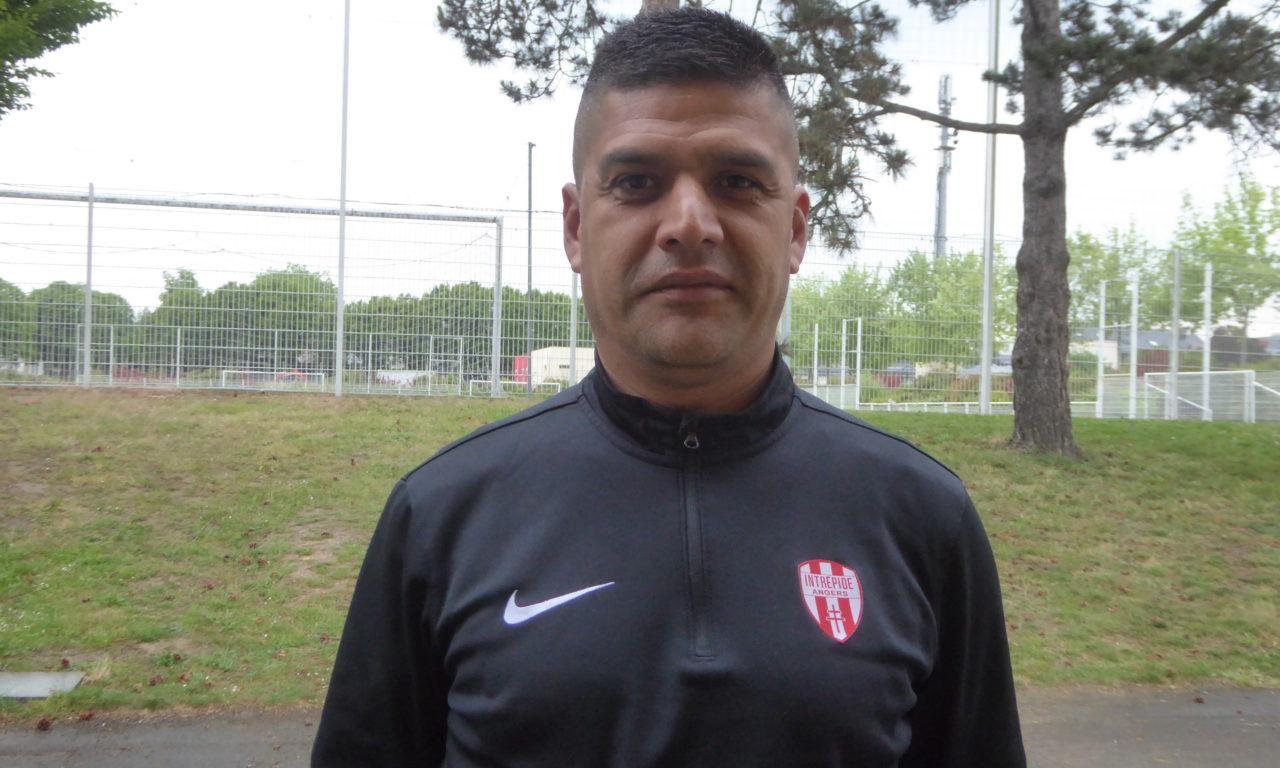 Carlos GOMEZ : Avoir la responsabilité de l'école de foot est un défi professionnel pour moi.