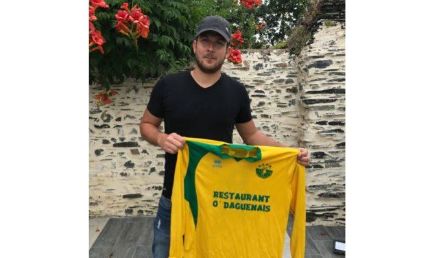 Bruno TROST signe à l'Entente Sportive La Daguenière – La Bohalle.