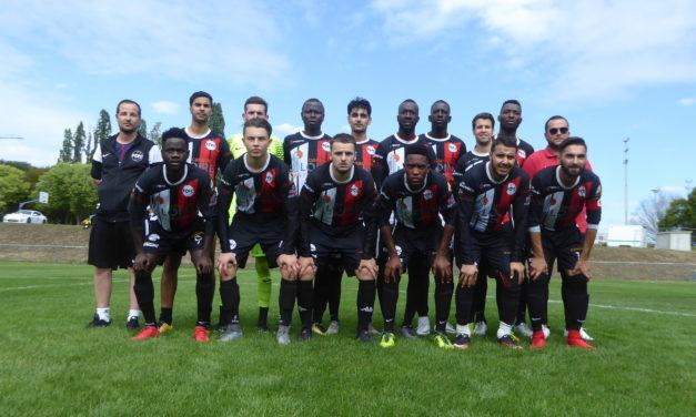 R3 (16e journée) : Cholet FCPC a su être efficace face à Vigneux-de-Bretagne (2-0).