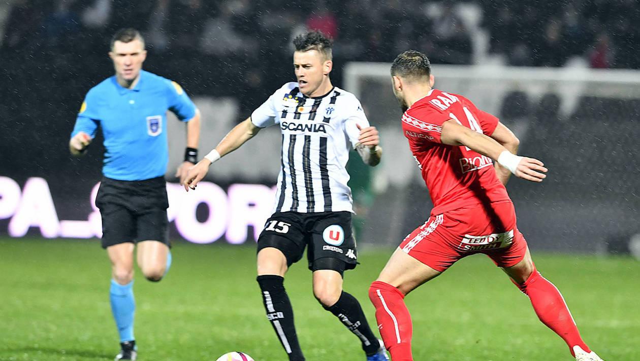 Match en retard : le SCO se déplace au Nimes Olympique.