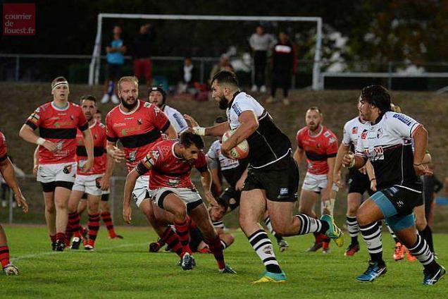 Le SCO Rugby Club Angers enchaîne une troisième victoire consécutive face à Saint-Sébastien Basse-Goulaine (25-17).
