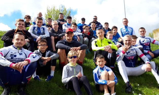 Point de rassemblement des jeunes triathlètes du Maine-et-Loire.