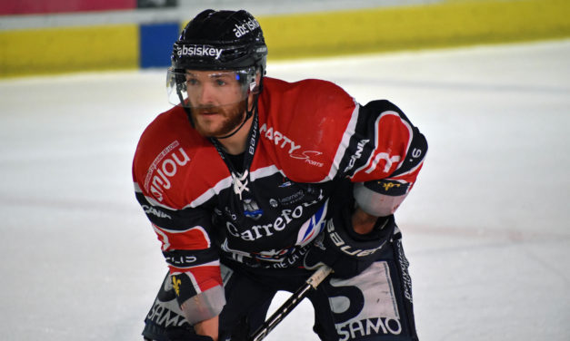 Clément MASSON : Avec la nouvelle patinoire, on ne peut imaginer qu'être le plus performant possible.