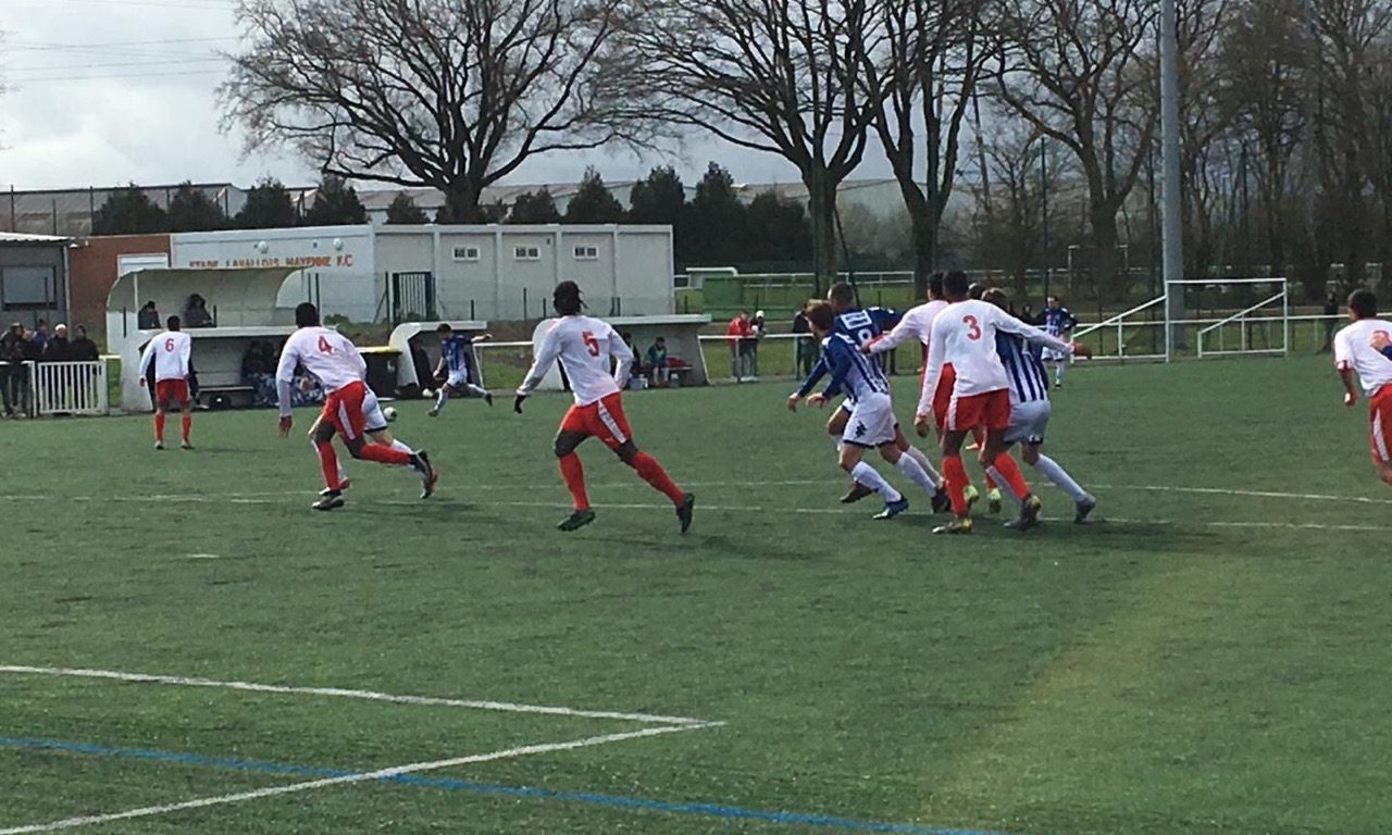R1 (J13) : Défaite frustrante d'Angers NDC à Laval-Bourny (1-0).
