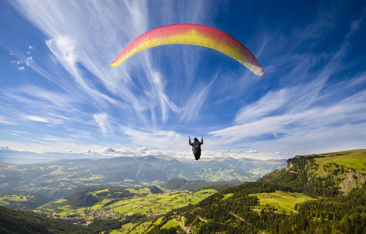 Apprendre le parapente, combien d'étapes avant de voler en solo ?