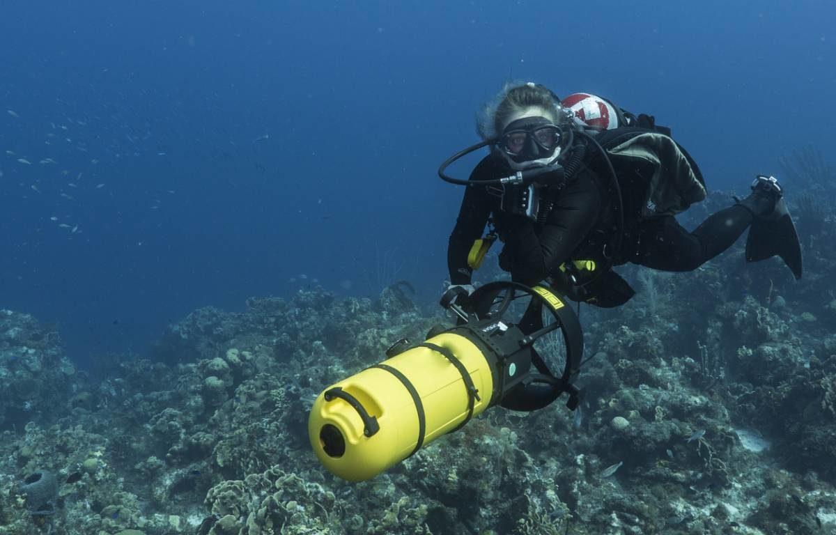 Dix cadeaux à offrir à un passionné de plongée sous-marine.